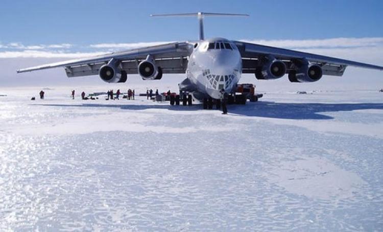 Něco velice divného se chystá na Antarktidě. Zřejmě dojde k velké události, o které většina lidí nemá realitu