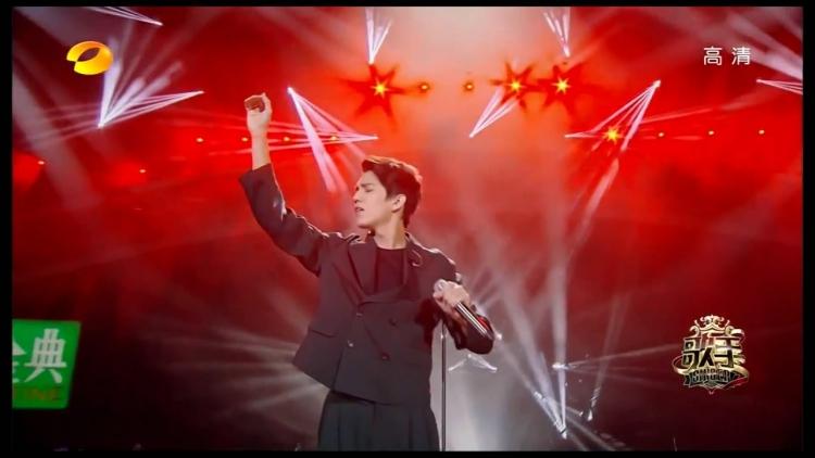 Hlas zpěváka z Kazachstánu je natolik šokující, že si někteří myslí, že není z této planety…