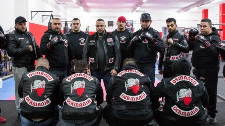 """Otřesné. V Německu se šíří muslimské kriminální gangy, konsolidují se gheta """"no go zones"""", opravdová vlastní samosprávná teritoria pod kontrolou ozbrojených band, která se zcela vymykají kontrole státu"""