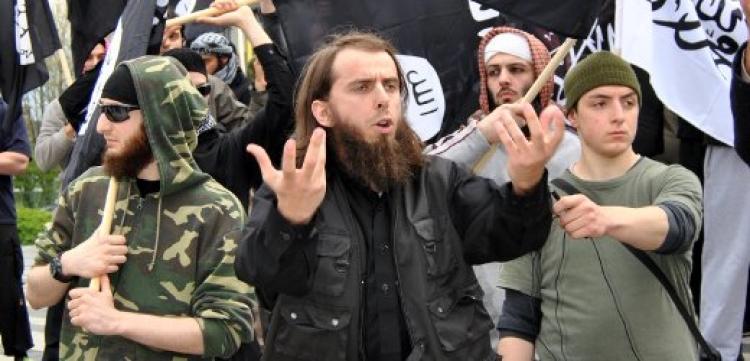 Tak to je tedy vážně síla. Radikální muslimové dostávají azyl v České republice. Nevěříte? Přečtěte si fakta...