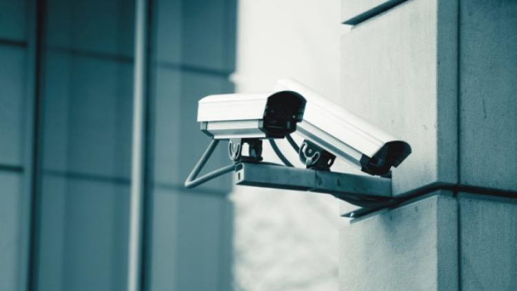 V Čechách máme 269 tisíc kamer. Sledují nás 24 hodin bez soudního příkazu. Profesor Staněk nabízí mrazivý pohled na dnešní i budoucí společnost....
