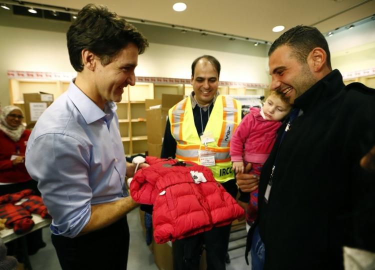 Kanada vítá syrské uprchlíky svou zdravotnickou péčí, kabáty a neobyčejně velkou solidaritou