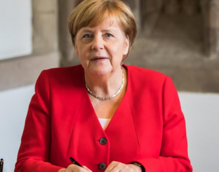 Zaznělo od Merkelové: Je jen otázkou času, než se lidé imigrantského původu stanou většinovým obyvatelstvem. Netrapte se tím, je to nevyhnutelné, přinese to dobré věci