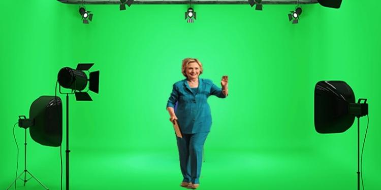 Hillary Clinton zfalšovala své shromáždění v Greensboro ve filmovém studiu. To musíte vidět! Je buď opravdu mrtvá, nebo těžce nemocná?