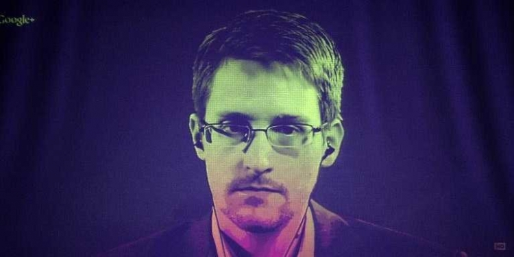 Další šokující poselství Snowdena, jak USA infikují obyvatele Ruska biologickými zbraněmi