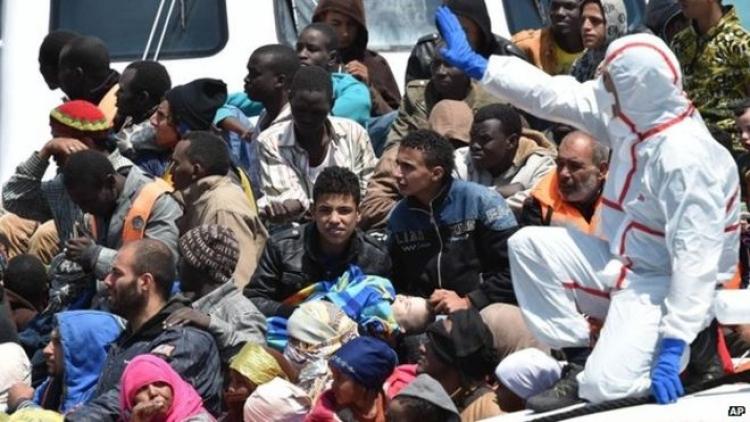 Nechcete nám pomoci? Máte smůlu. Dáme 200 tisícům migrantům evropská víza a pošleme je na sever, hrozí Itálie