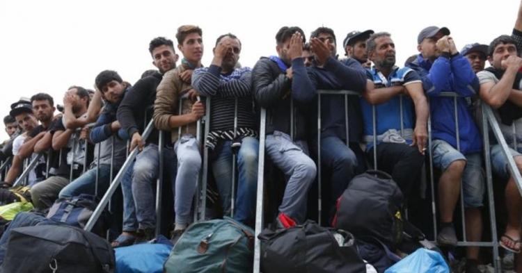 Za každého odmítnutého uprchlíka zaplatíte v Česku 6,8 milionu, vzkazuje Brusel