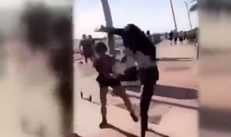 200 mladých Afričanů napadalo a okrádalo australskou mládež na pláži