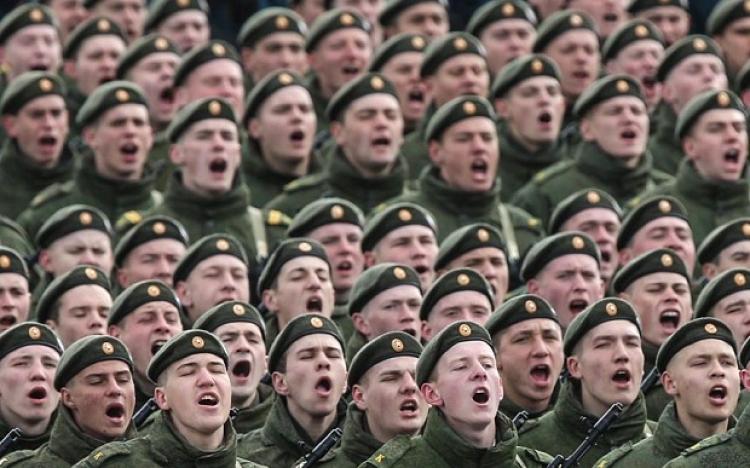 Světová bezpečnostní situace může prudce eskalovat. USA hrozí Rusku sestřelením stíhaček v Sýrii