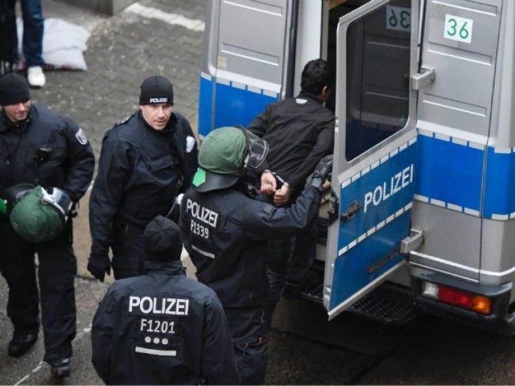 Z Německa hlásí bestiální uprchlickou řež. Zde je účet: Vypíchnuté oči, ukousnuté uši, rty a víčka
