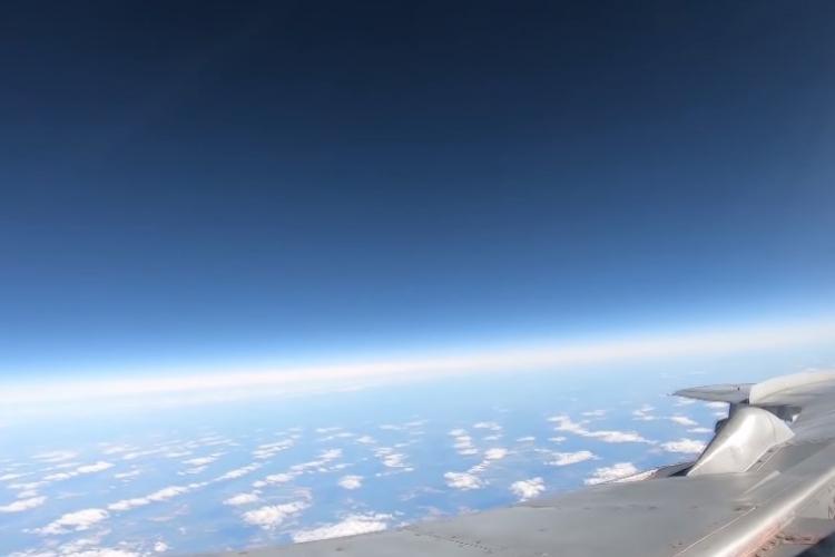 Je to opravdu dechberoucí! Byly zveřejněný unikátní záběry létu ruských MiG-31 v stratosféře