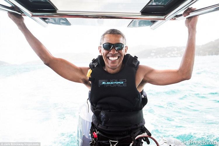 Video s Obamou na dovolené vyvolalo bouřlivou reakci na sociálních sítích