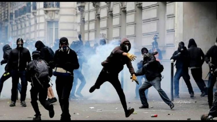 Islámský majdan v Paříži začal a média mlčí - dle šokujícího proroctví o občanské válce ve Francii