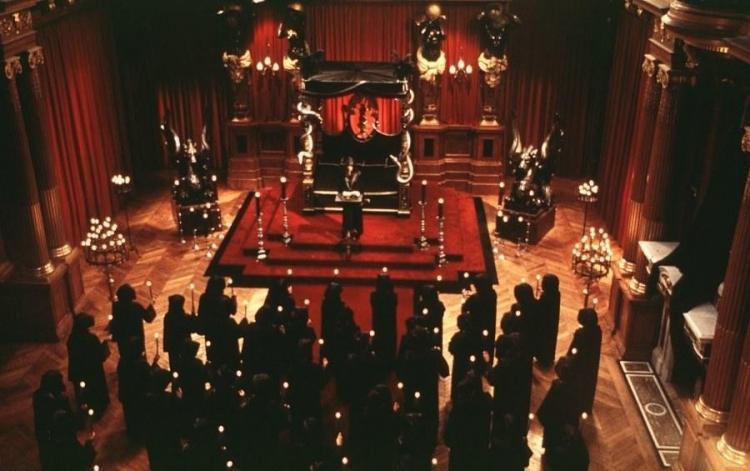 Bývalá členka z řádu Iluminátů promluvila a varuje lidstvo před zlem, které již přichází...