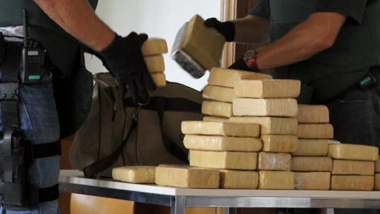 Francouzská policie našla 9 liber kokainu ve vatikánském automobilu