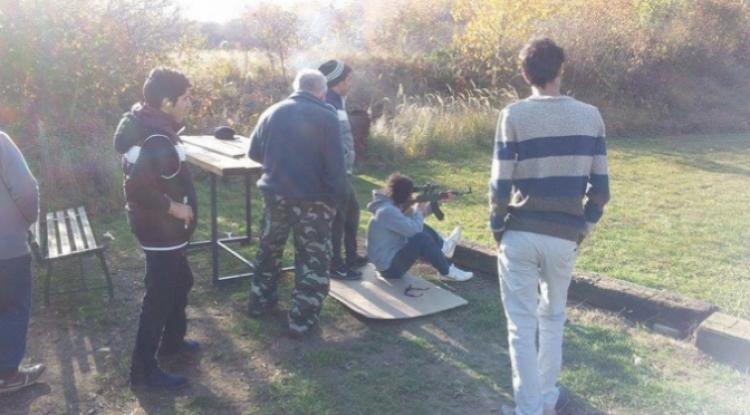 Zřejmě uprchlíci trénují střelbu v Česku a majiteli je to jedno, tvrdí střelnice Čekanice-Tábor