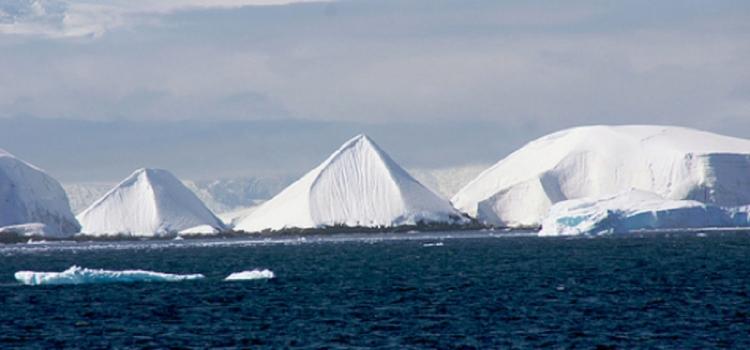 V Antarktidě byly objeveny starobylé pyramidy. Zřejmě přehodnotíme přístup k lidské historii...