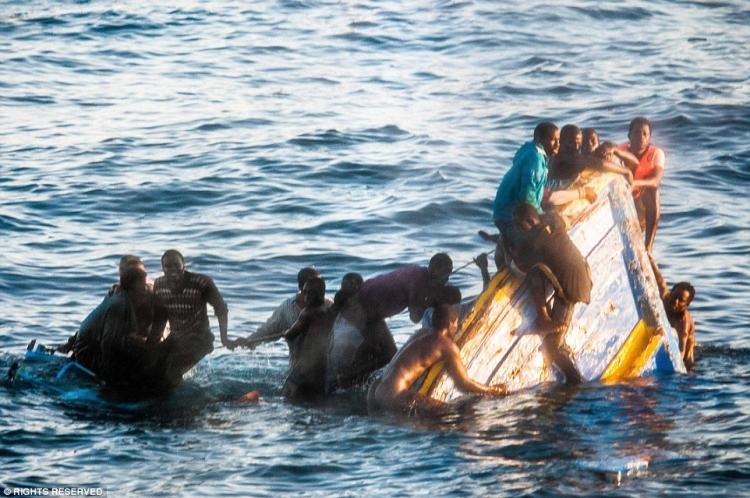 Ztroskotal člun migrantů: O život mohlo přijít až 146 lidí