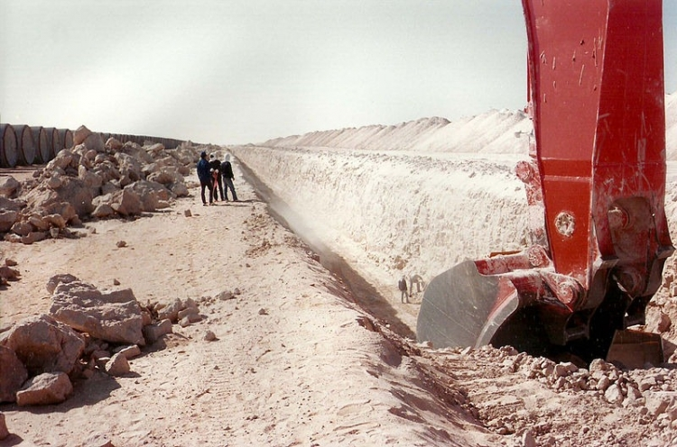 Převratný vodní projekt Kaddáfího, který mohl změnit vše...