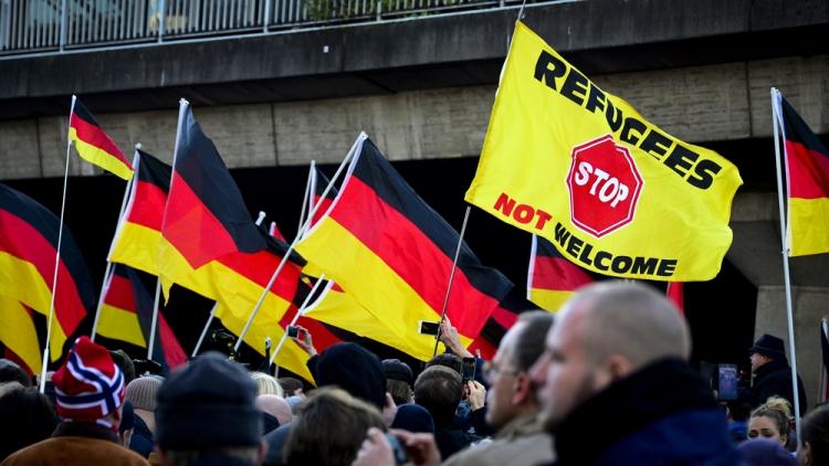 Kritizujete nás za uprchlíky? Vezmeme vám dotace, vyhrožuje Německo