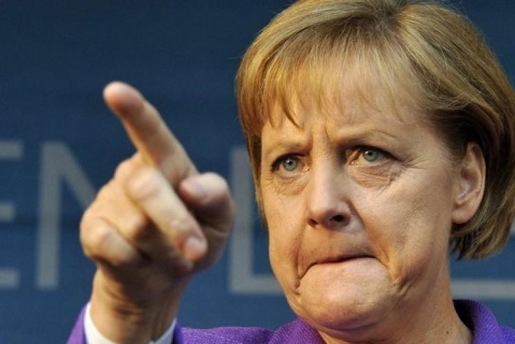 Nechoďte sem! Merkelová nařizuje EU vracet lodě plné muslimských migrantů