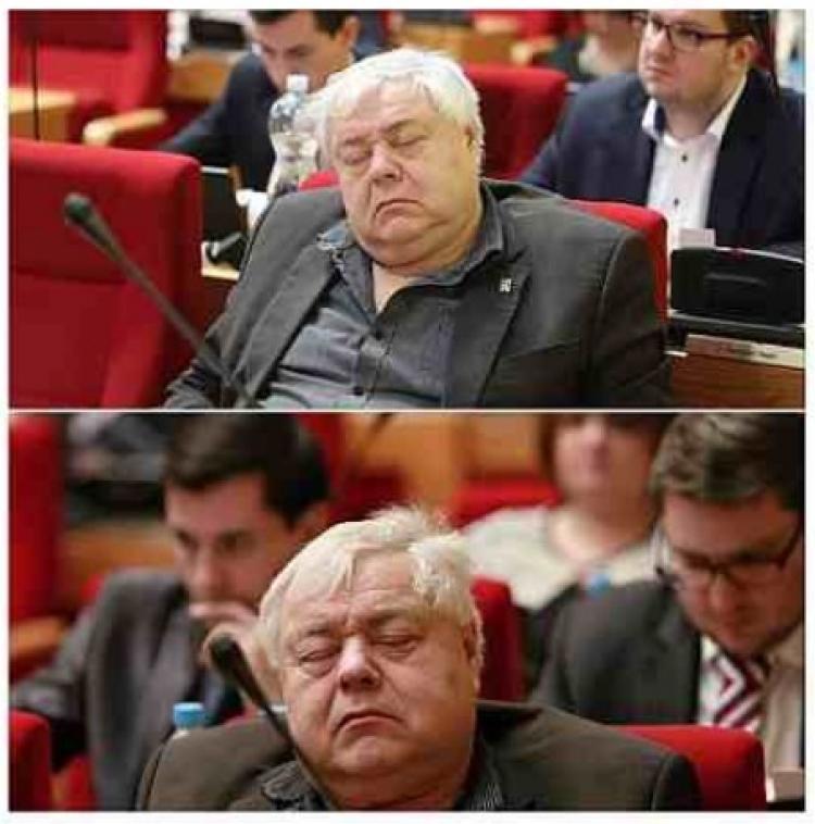 """Babišův """"superpolitik"""", který má přes patnáct funkcí, znovu usnul na jednání. Už potřetí"""