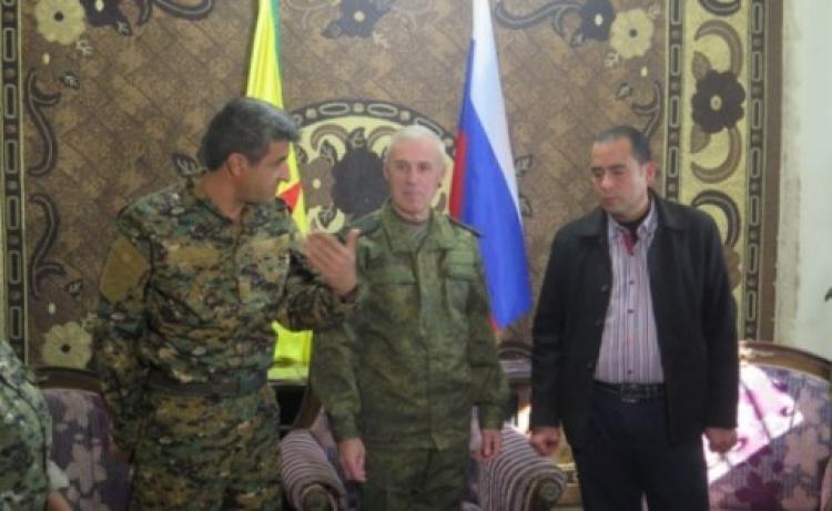 Úder do zad Američanům. Rusko udobřilo Damašek a Kurdy