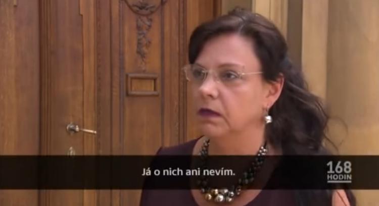 Česká televize klesla na totální dno. Podívejte se na neskutečný podraz před kamerou...